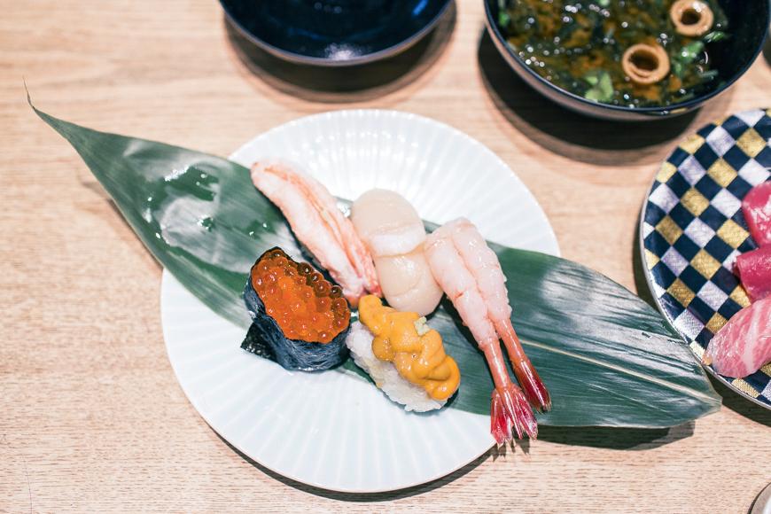 羽田機場必吃築地市場直送壽司生魚片海膽魚卵鮮蝦