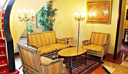 東京代官山Ristorante ASO嵐的成員們曾坐過的沙發