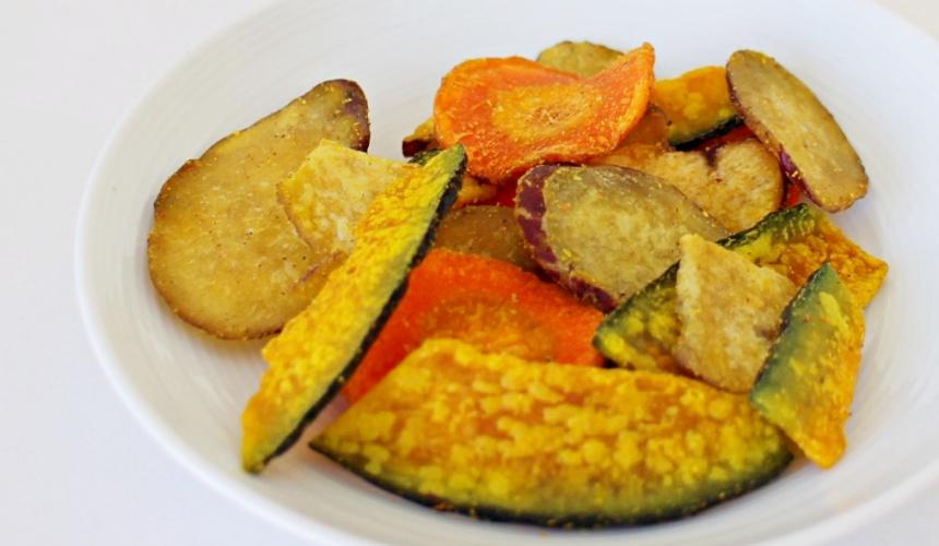 NATURAL LAWSON餅乾「地瓜、紅蘿蔔、南瓜洋芋片」(ベジップス)的餅乾實物