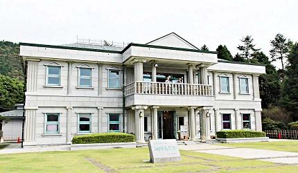 恩賜箱根公園的湖畔展望館