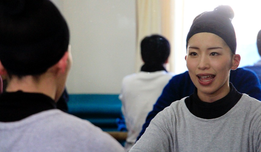 日本劇團四季演員熱身發聲練習