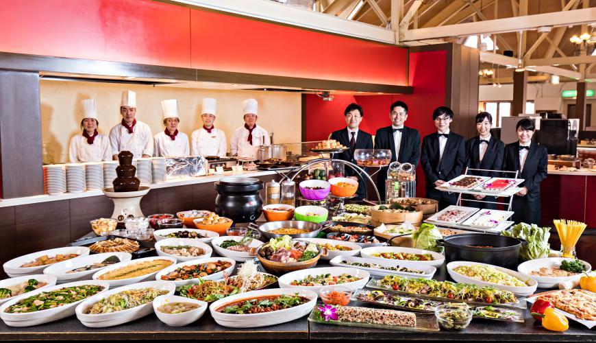 「HOTEL GREEN PLAZA 輕井澤」融合和洋中菜色的自助吧