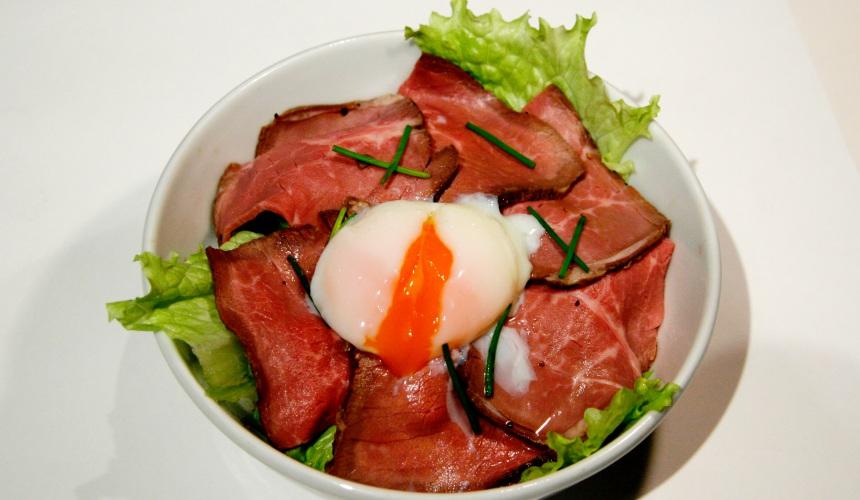 燒肉風風亭半熟蛋牛肉片蓋飯