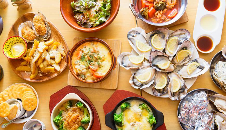 東京牡蠣料理吃到飽餐廳推薦:西新宿酒吧式餐廳「UMI BAL」