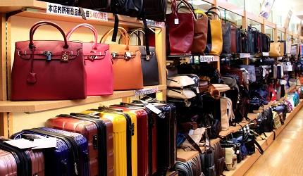東京銀座買包推薦人氣行李箱、包包專賣店「Ginza Karen」店內包包商品