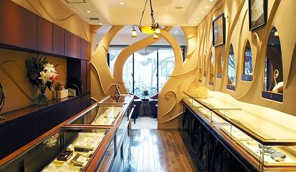 日本最大的訂製珠寶飾品店「K.UNO」結婚戒指專區