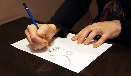 日本最大的訂製珠寶飾品專賣店「K.UNO」繪製草圖的設計師