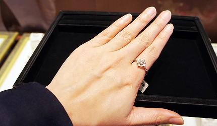 日本最大的訂製珠寶飾品店「K.UNO」飾品都可以盡情地試戴
