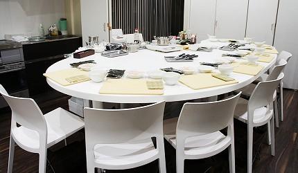 「Sugarlady TASTING TABLE」的料理教室空間明亮
