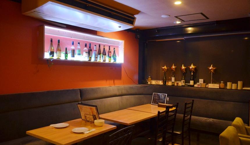 東京新宿牡蠣料理吃到飽餐廳推薦「UMI BAL」店內