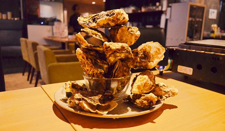 東京新宿牡蠣料理吃到飽餐廳推薦「UMI BAL」牡蠣層層疊(牡蠣ジェンガ)