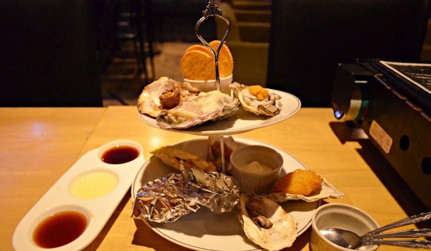 東京新宿牡蠣料理吃到飽餐廳推薦「UMI BAL」牡蠣9種拼盤(牡蠣9種盛り合わせ)
