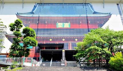 日光山輪王寺整修中的「三佛堂」,內有「日光三山」化身的三尊佛像