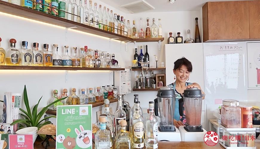 東京代代木果汁吧「Agaveria」果汁製作中