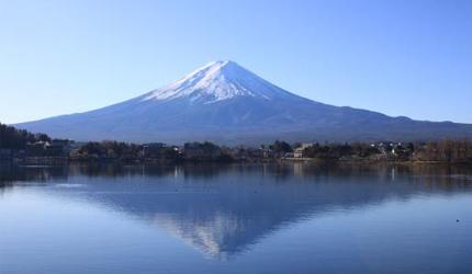 日本富士山的逆富士照