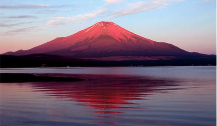 日本富士山的赤富士