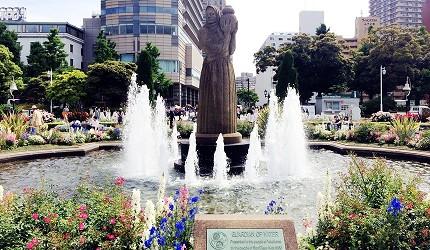 水之守護神像