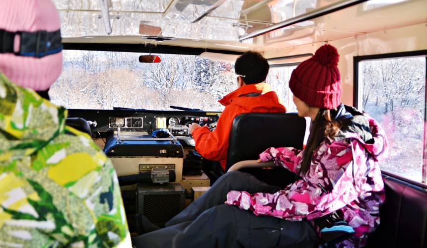 長野白馬CORTINA滑雪場雪上體驗車