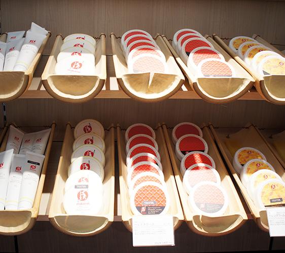 東京成田機場必買藥妝店家「makanai cosmetics」的護手霜