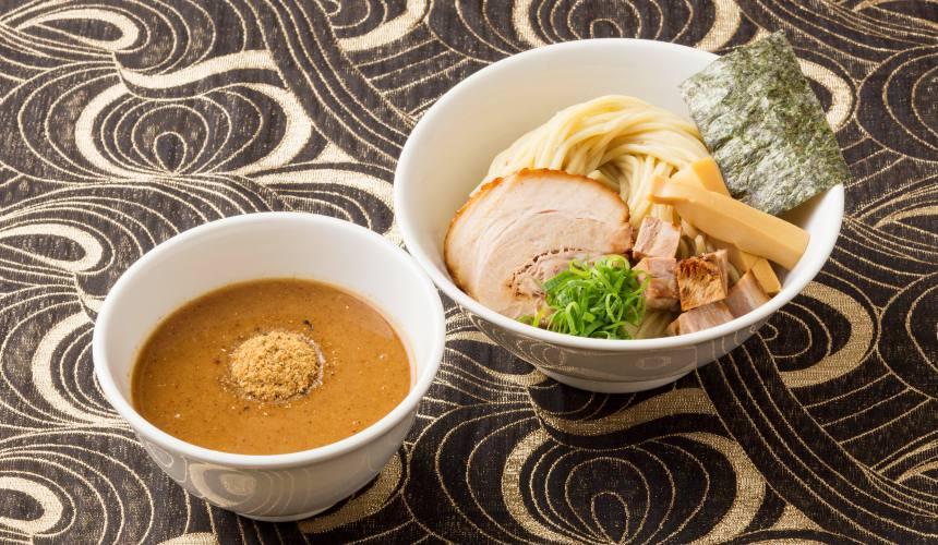 東京池袋豚骨拉麵人氣店「光麵」的海鮮豚骨沾麵(濃厚つけ麺 魚介豚骨)