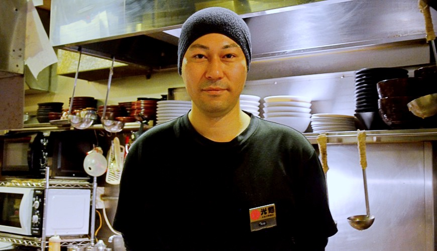 東京池袋豚骨拉麵人氣店「光麵」的店長