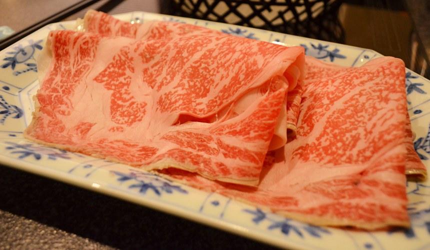 日本和牛吃到飽東京人氣燒肉名店「六歌仙」涮涮鍋黑毛和牛
