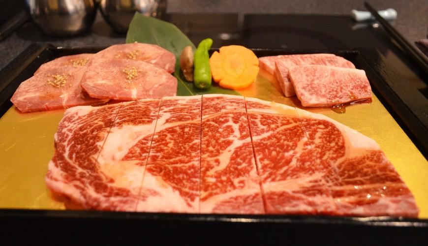 日本CP值超高的和牛吃到飽推薦!東京西新宿人氣燒肉名店「六歌仙」