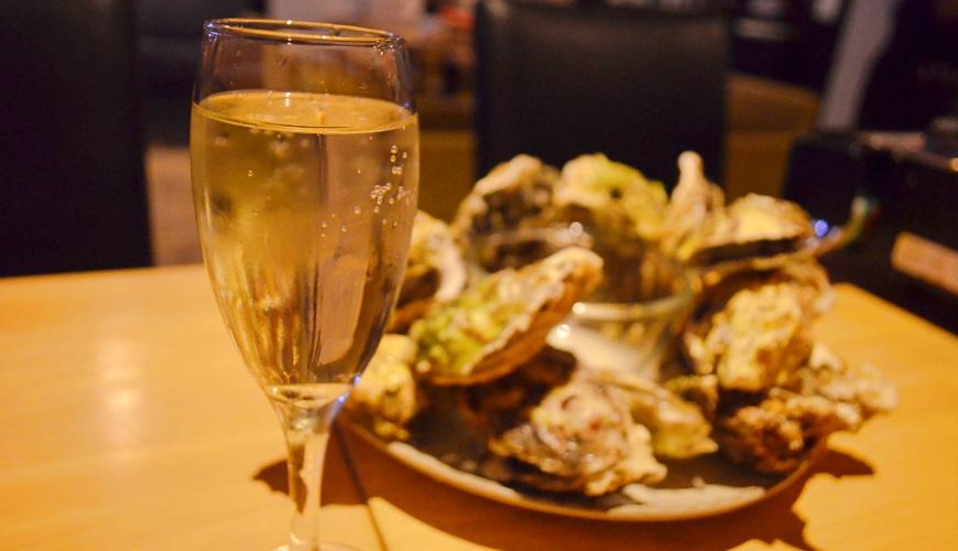 東京新宿牡蠣料理吃到飽餐廳推薦「UMI BAL」美酒與牡蠣料理