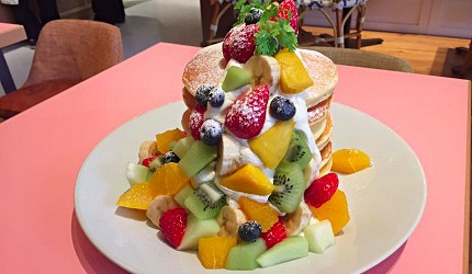 SHIBUYA PARLOR「新鮮綜合水果鬆餅塔」