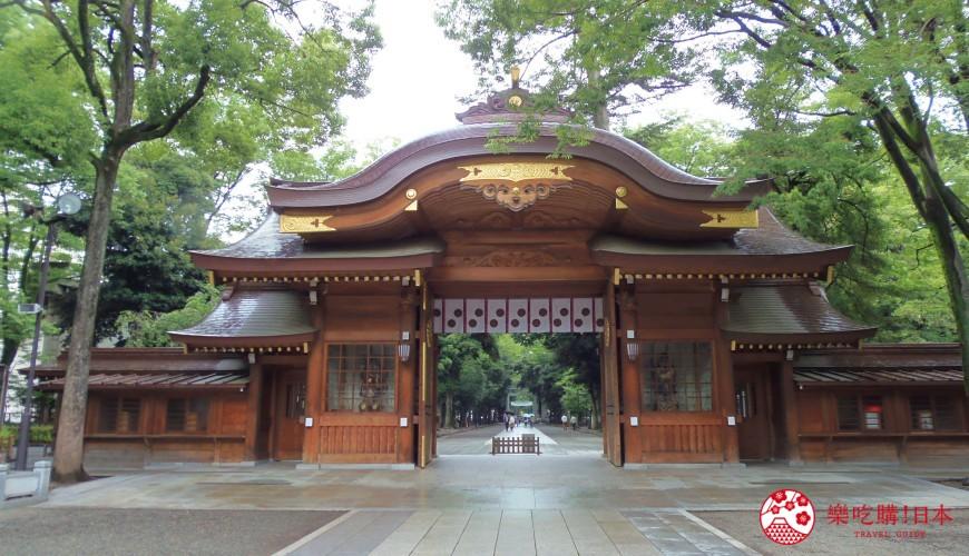 东京近郊景点推荐府中市大国魂神社「随神门」