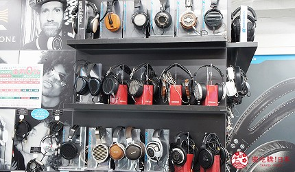 東京中野必去耳機店「FUJIYA AVIC」的店內可以試聽耳機