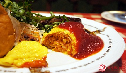 東京極品蛋包飯推薦「RAKERU」的加入了特製高湯的滑嫩蛋包飯