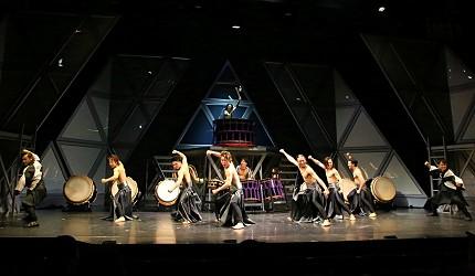 日本東京新宿和太鼓「萬華響」公演現場打鼓畫面