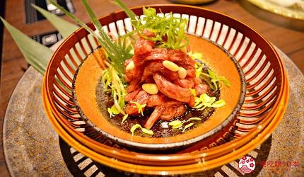 東京高級和牛涮涮鍋推薦:新宿歌舞伎町「牛龍」的黑毛和牛肉膾(黒毛和牛 赤身の炙りユッケ)