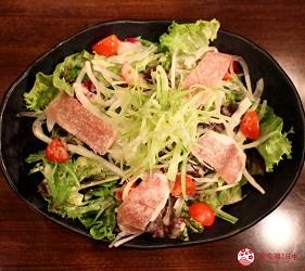 東京高田馬場燒肉激戰區的A5黑毛和牛絕品美味「吟まるJr.」的吟沙拉(吟サラダ)