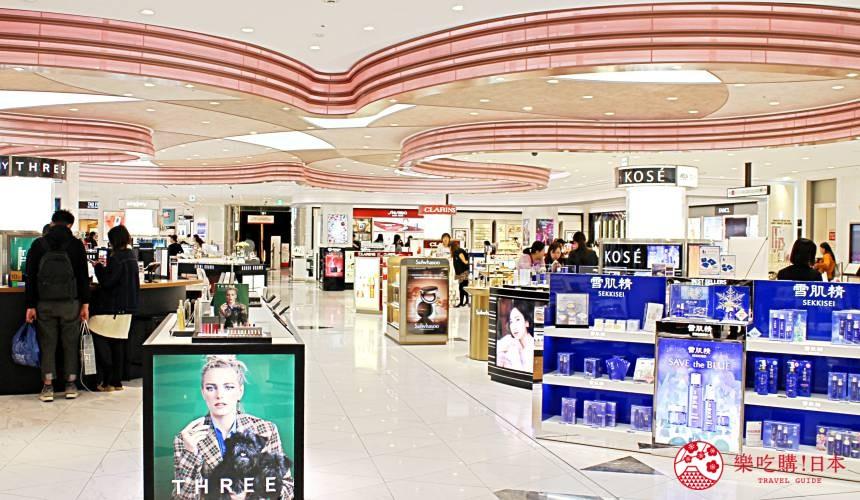 东京东急广场银座乐天免税店9楼药妆保养品区