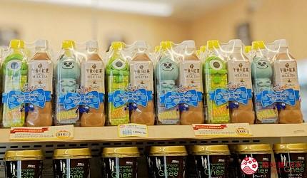 日本便利商店代代木「NewDays」架上午後紅茶瓶裝毛怪大眼仔商品