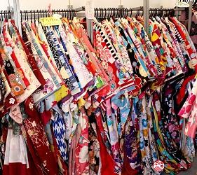 日光東照宮附近和服體驗店家「うたかた」和服選擇超過百種