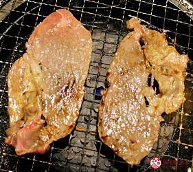 日本國產牛吃到飽推薦「燒肉風風亭」的烤牛壽喜燒(牛焼きすき)烤牛肉片第一步