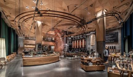 隈研吾設計東京中目黑「星巴克臻選®東京烘焙工坊」的一樓環境