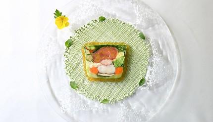 輕井澤餐廳住宿Auberge-de-Primavera法式料理奧勒岡葉風味高原蔬菜與龍蝦陶罐派