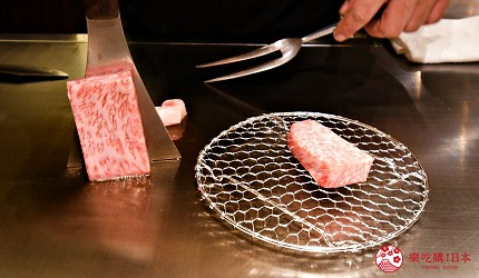 東京的神戶牛鐵板燒專門店「神戸牛すてーきIshida. 銀座本店」的鐵板燒表演
