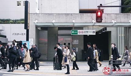 日本東京自由行住哪裡哪個區域好推薦大門濱松町羽田機場成田機場直達交通方便附近有東京鐵塔增上寺世界貿易展望台看夜景以及許多美食拉麵居酒屋住宿十分平價商務旅館五星級飯店或膠囊旅館都有