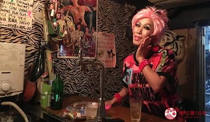 亚洲同志第2友善城市「东京」的新宿二丁目同志酒吧「胆固醇」的店长