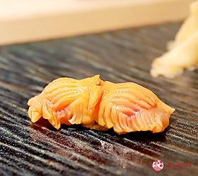 東京新宿歌舞伎町高級壽司店推薦「鮨佐和」的主餐赤貝鮮魚壽司