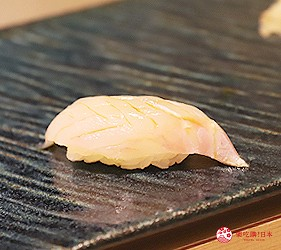 東京新宿歌舞伎町高級壽司店推薦「鮨佐和」的主餐褐石斑魚鮮魚壽司