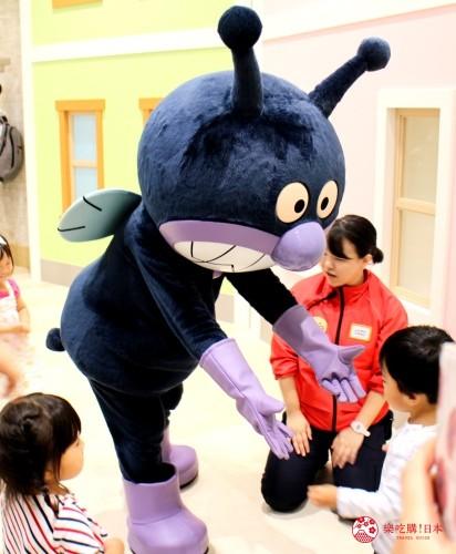 橫濱麵包超人兒童博物館細菌人拍照