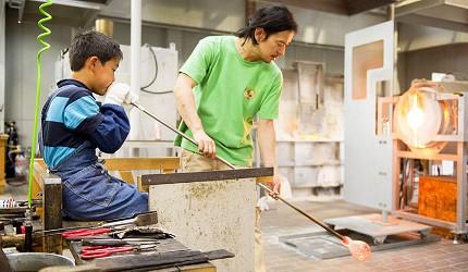 東京近郊長野景點安曇野玻璃藝術館ArtHillsMuseum玻璃吹製體驗