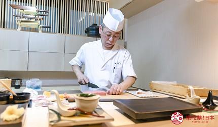 东京惠比寿高级寿司店推荐「鮨 おぎ乃」师傅制作寿司中