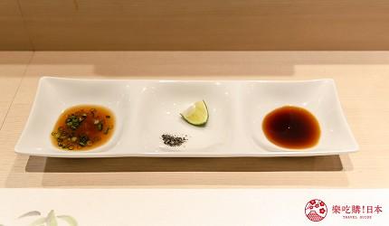 东京惠比寿高级寿司店推荐「鮨 おぎ乃」套餐「特上おまかせ握りコース」的生鱼片拼盘的酱汁